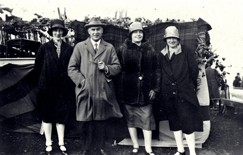 Miss Annie Macaulay, 35 Cliff, with TB and Mrs Macaulay in Valtos, 18 June 1929