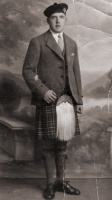 Duncan Macdonald, Kneep